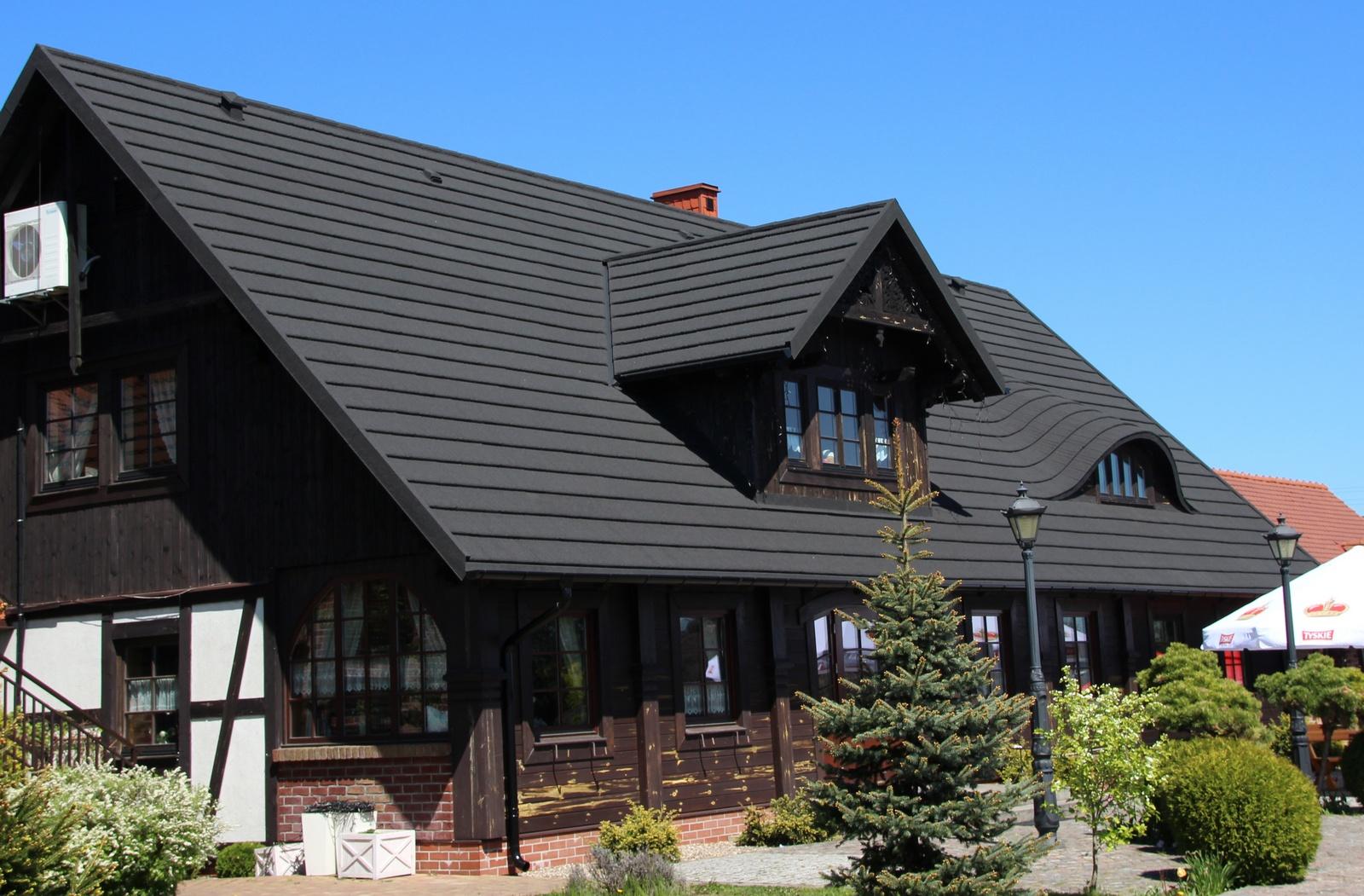 Shake Roof for Buffalo eye dormer restaurant Hillary 2