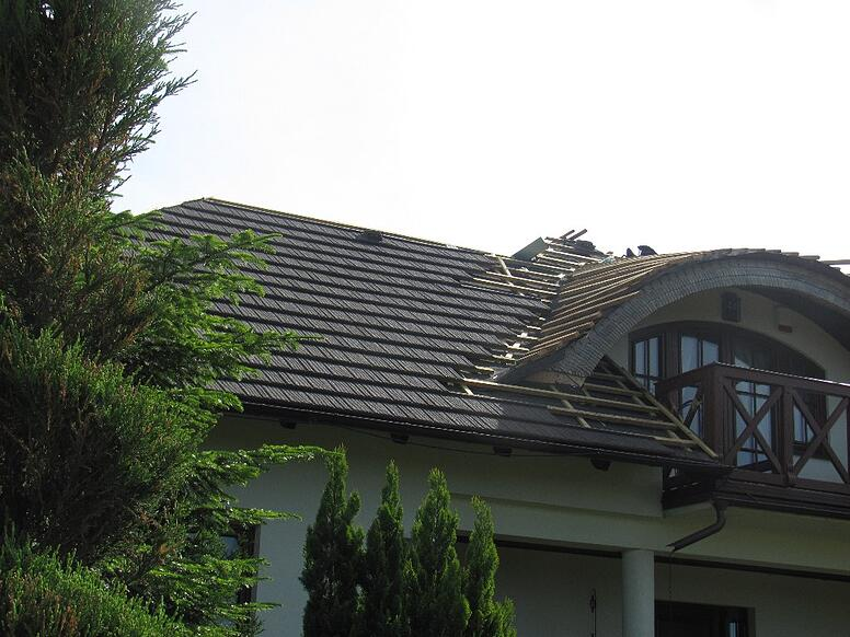 re-roof-from-wooden-shingle.jpg