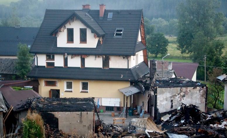 tilcor-roof-survives-fire.jpg